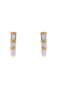 14 krt bicolor gouden oorstekers met daarin 0.38 crt diamanty
