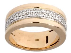 14 krt geelgouden damesring met daarin 0.48 crt diamant