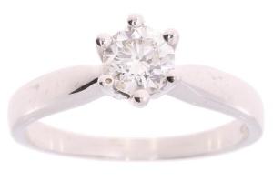 Witgouden damesring 0.70 crt diamant
