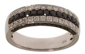 14 krt witgouden damesring met daarin 1.16 crt diamant