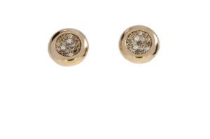 18 krt rosé gouden oorknoppen met daarin 0.44 crt bruin diamant