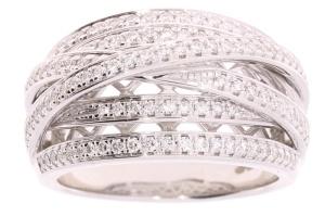 Witgouden damesring met 0.68crt diamant